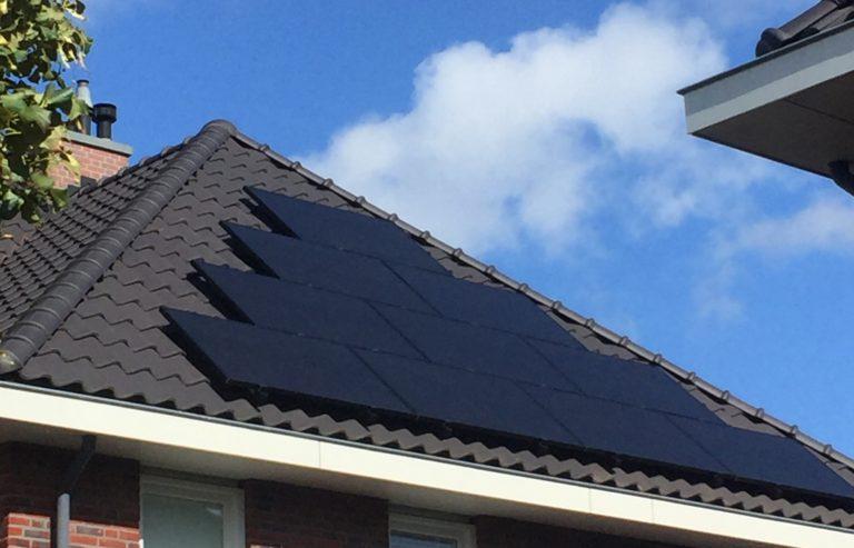 Noordwijkerhout – Tien Solarwatt glas-folie zonnepanelen