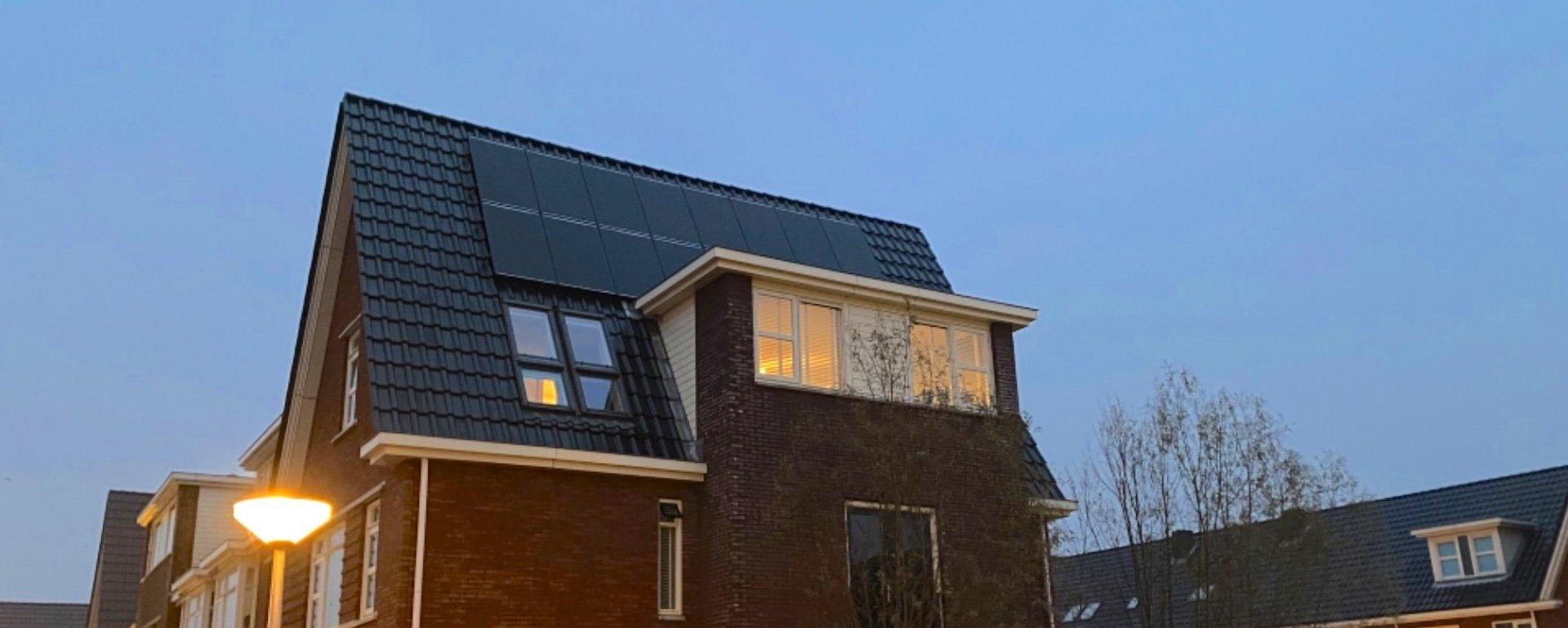 16 Solarwatt glas-glas panelen bij familie van Hoven