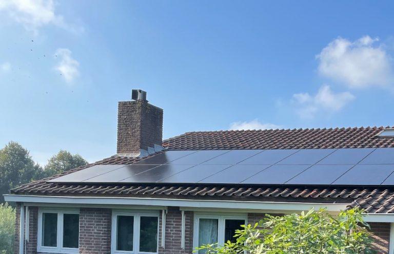 Warmond – 18 SolarWatt glas-glas zonnepanelen met SMA omvormer